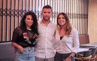 Donos da Bull Prime Marcos e Estela com a gerente de marketing Michelline Zambon (1)